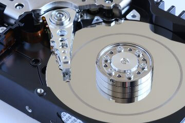Datenrettung an der Festplatte wegen HeadCrash-Fehler / Hardwareproblem